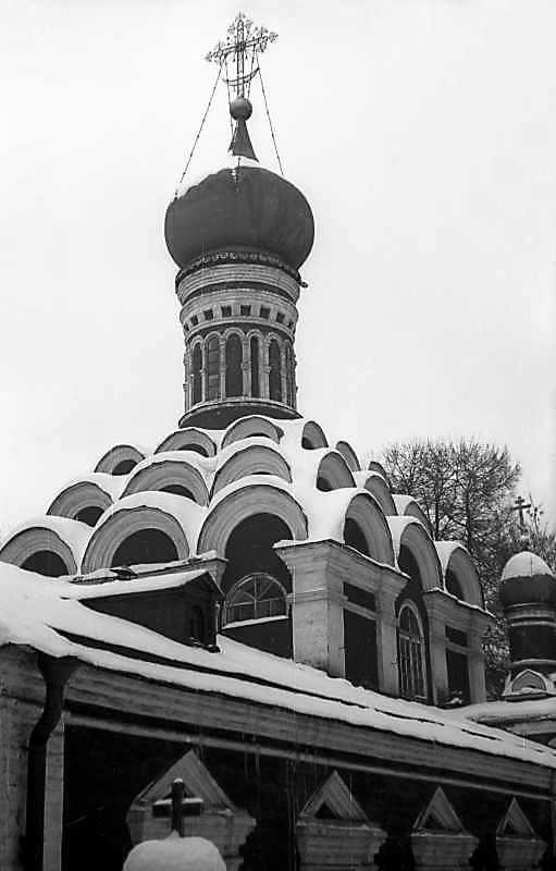 Старий собор Донського монастиря (Москва). Вигляд з південного заходу. Фото 10 лютого 1977 р.