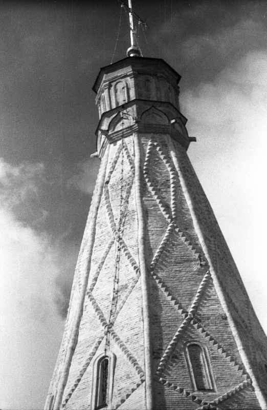 Церква Вознесіння в Коломенському (Москва). Восьмигранний намет. Фото 16 липня 1986 р.