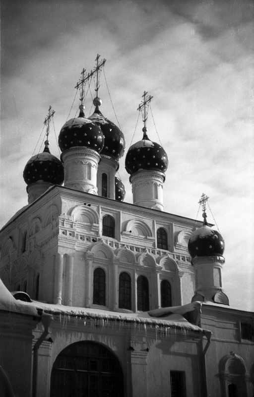 Церква Казанської ікони божої матері в Коломенському (Москва). Вигляд з південного заходу. Фото 10 лютого 1977 р.