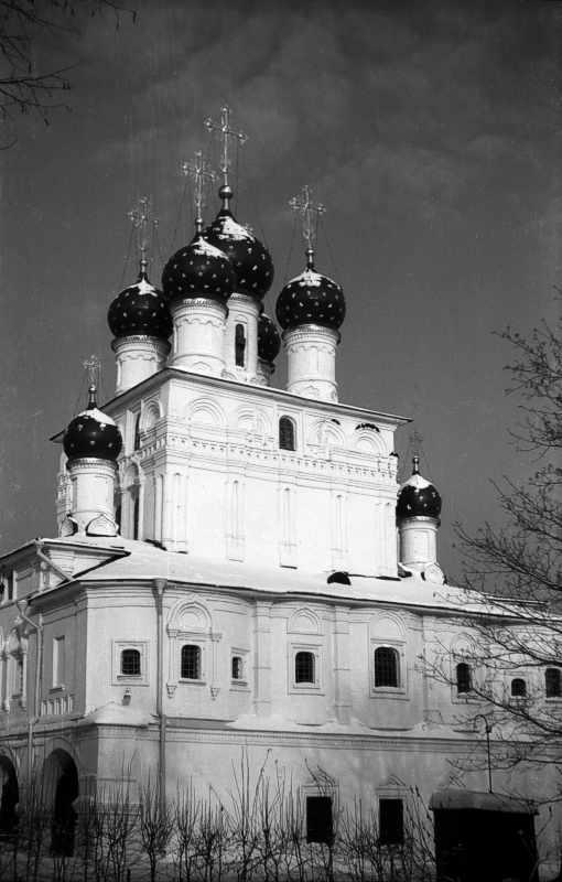 Церква Казанської ікони божої матері в Коломенському (Москва). Вигляд з південного сходу. Фото 10 лютого 1977 р.