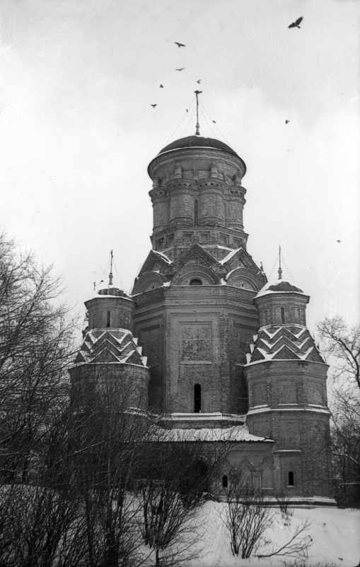 Церква Головосіка Іоана Предтечі в Дьяково (Москва). Вигляд з півдня. Фото 10 лютого 1977 р.