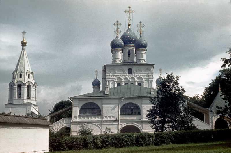 Церква Казанської ікони божої матері в Коломенському (Москва). Вигляд із заходу. Фото 16 липня 1986 р.