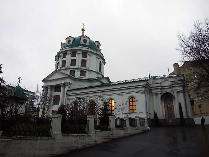 Церква св.Симеона Стовпника за Яузою (Москва). Загальний вигляд. Фото 4 грудня 2008 р.