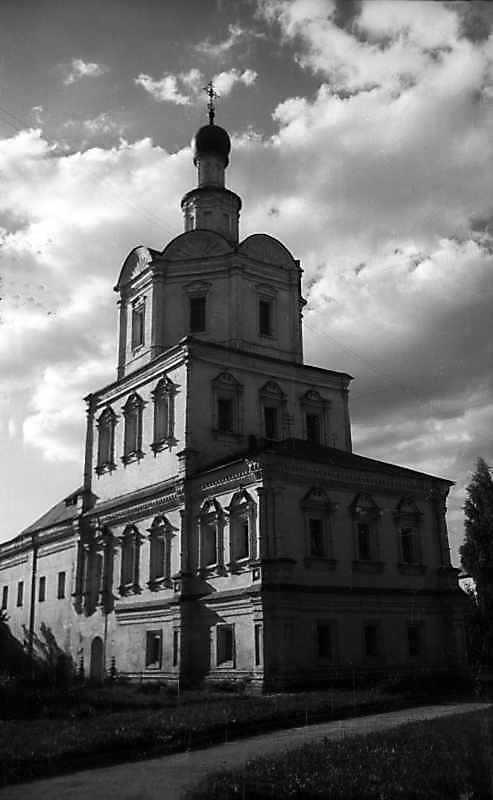 Церква св.архангела Михаїла Спас-Андроникова монастиря (Москва). Загальний вигляд з південного сходу. Фото 13 серпня 1977 р.