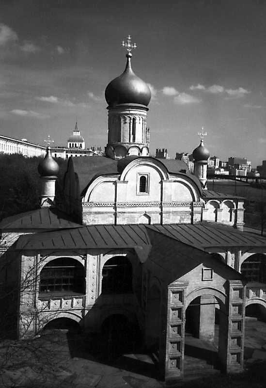 Церква Зачаття св.Анни в московському Зарядді. Вигляд із заходу. Фото 7 травня 1979 р.