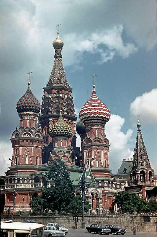 Собор Василя Блаженного на Червоній площі в Москві. Вигляд з південного заходу. Фото 16 липня 1986 р.