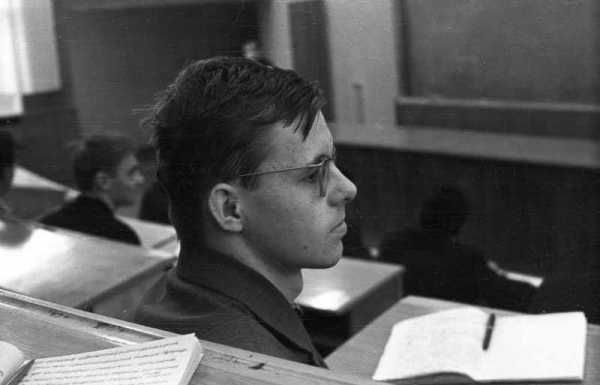 N.I.Zharkikh in the classroom of physical department of Kiev University, 1975