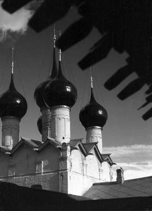 Главы церкви св.Григория Богослова в ростовском Кремле. Фото 21 августа 1976 г.