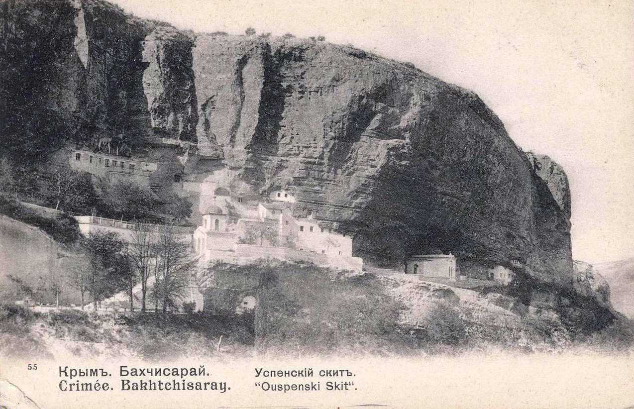 Верхняя терраса Успенского скита у Бахчисарая. Из альбома пользователя Humus в «Живом журнале».